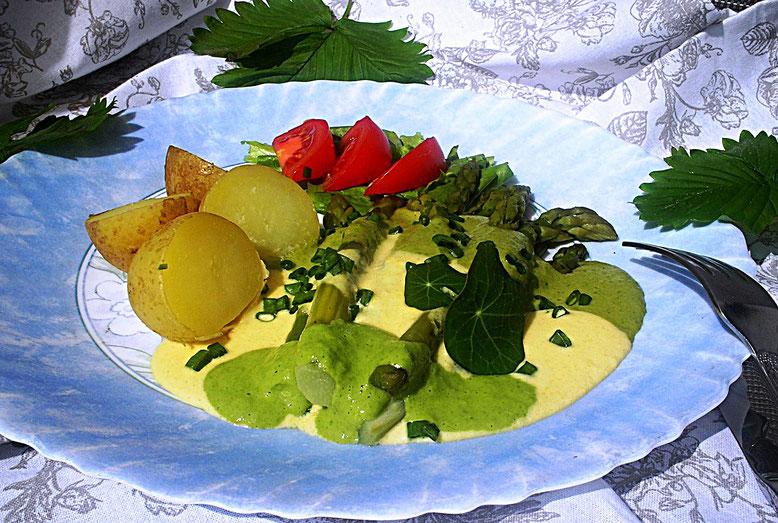 grüner Spargel mit Mais- Kokossauce