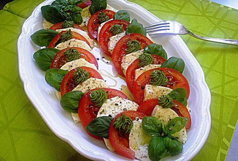 Tomaten- Mozzarella mit Bärlauchcreme