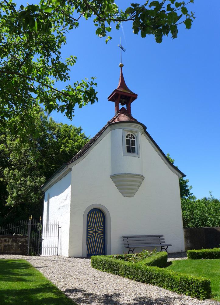 Hinter dem Schloss Altenklingen steht die Wiborada-Kapelle zum Gedenken an diese selbstlose Frau