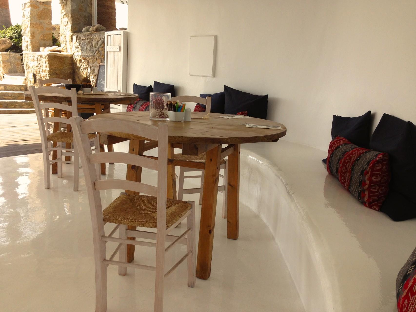 Mykonos - Hotel San Giorgio - Cantina - BYRH Beach Bags