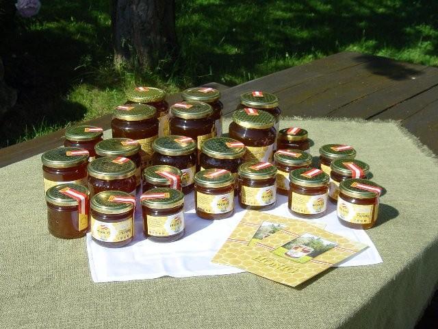 Honig aus eigener Imkerei.
