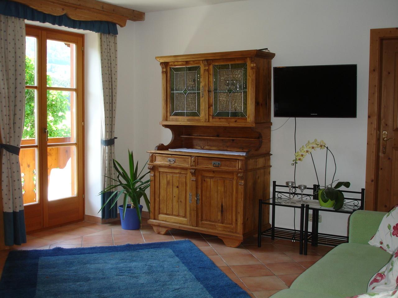 Antike Komode in der Blaue Wohnung.