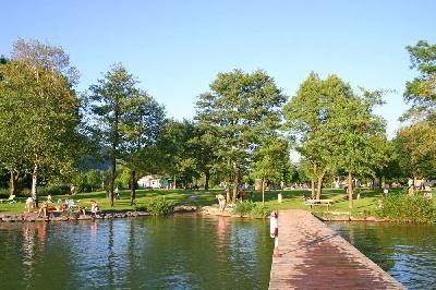 Freier Eintritt beim Badeplatz Loibichl am Mondsee.