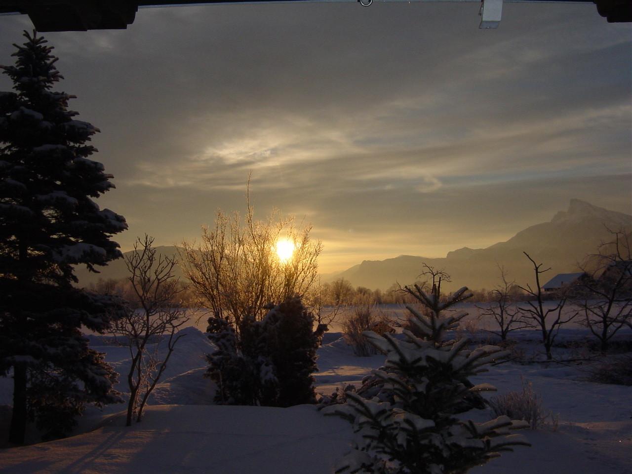 Sonnenaufgang im Winter.