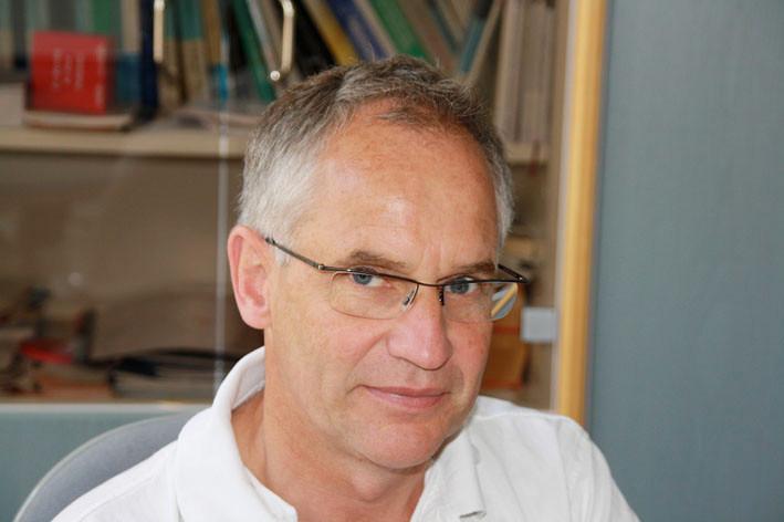 Dr. med. Ernst Backer, Facharzt für Innere Medizin, Pallativmedizin, Ernährungsmedizin
