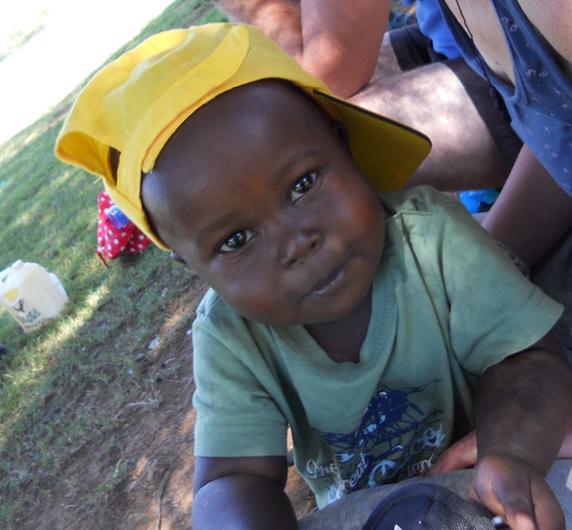 Im Dezember 2011, 1,5 Jahre nach seiner Ankunft, im Kinder- und Waisenhais Little Prinz