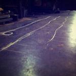 美しい曲線は地面に描いて曲げていきます!