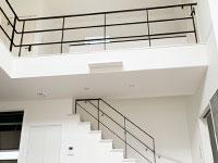 【三重】2階吹き抜けフェンスと天井留め階段手摺