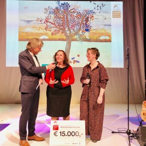 winners Kathleen Vereecken and Charlotte Peys; photo Chris van Houts
