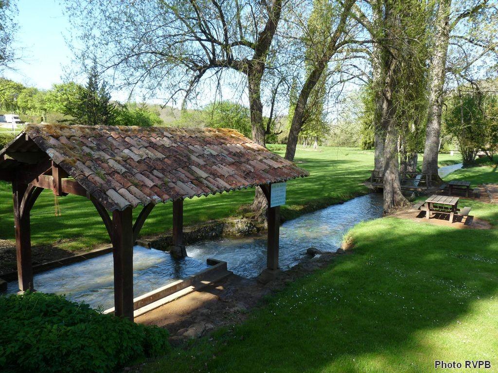 Le Barbeyrol, affluent de la Louyre, à St Marcel du Périgord