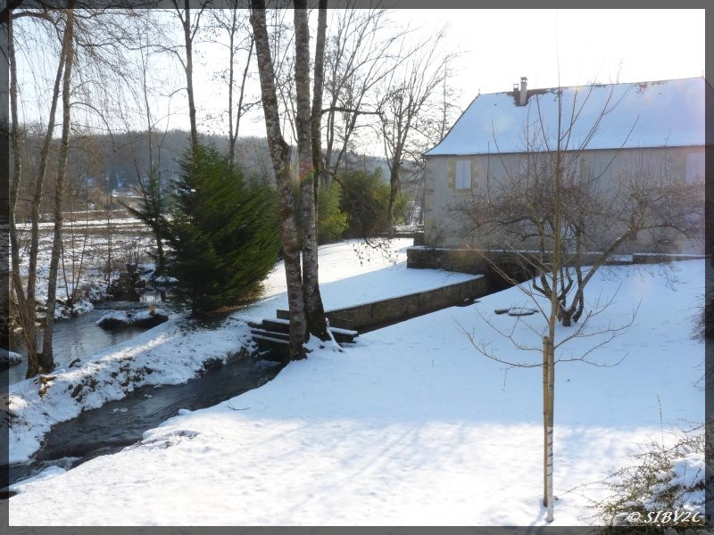 Moulin de Bayac sur la Couze - photo prise lors de l'épisode neigeux de février 2012