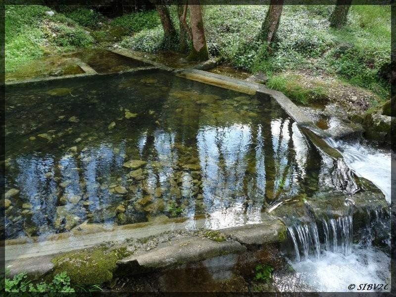 Après la Couze, une photo du Couzeau. La source du Couderg, sur la commune de Naussannes, marque le vrai départ du Couzeau. Sa partie amont étant la majeure partie du temps à sec.