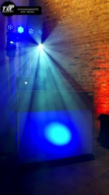 DJ für Silberhochzeit in Wormersdorf - LiteConsole DJ Pult und F34 Traversensäule im Hintergrund