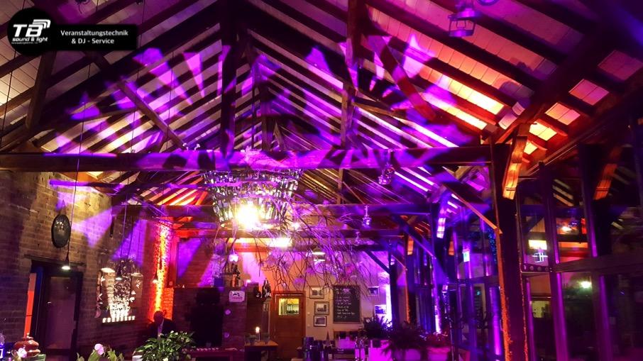 Licht- und DJ Konzept in der Landlust Burg Flamersheim