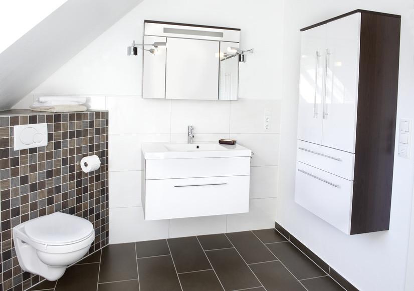 Das Bad unterm Dach - m-schulze-sanitaer gas-wasser-installation ...