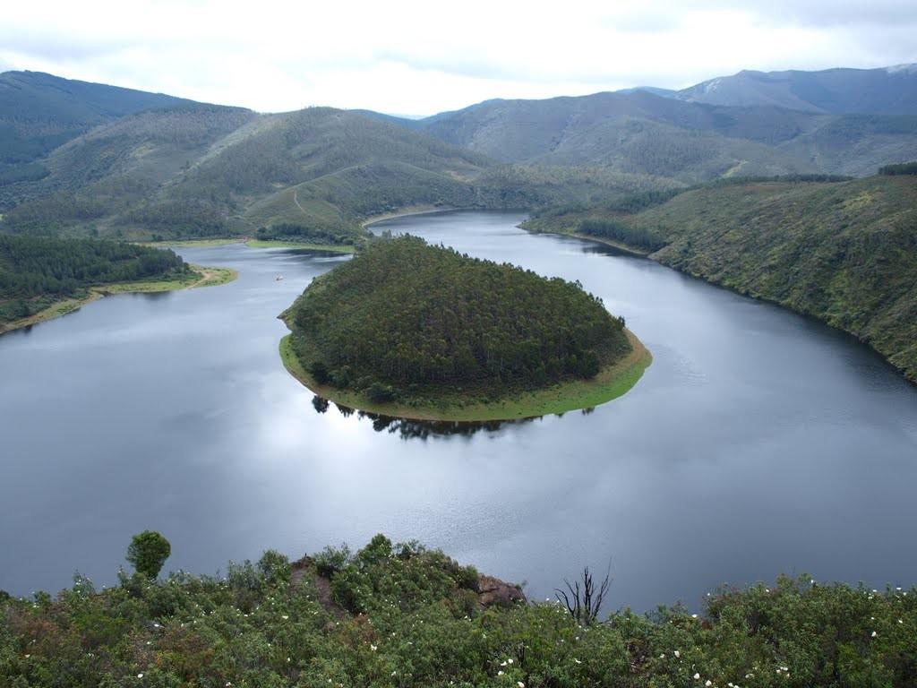 Meandro del río Alagón en Riomalo de Abajo, Las Hurdes (Cáceres)