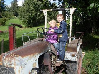 lustige Traktorfahrten