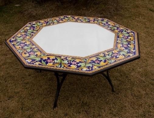 Bild 2: 8-eckiges Tischformat