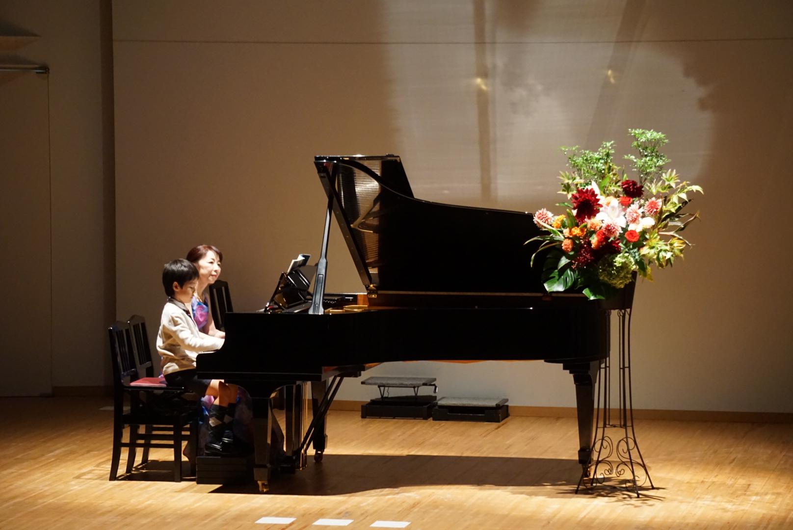 2018年10月27日 奏の会ピアノ発表会 はるみ先生と生徒によるオープニング