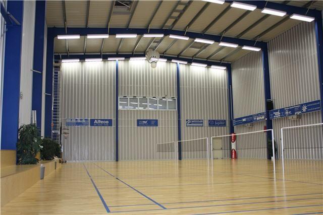 herzlich willkommen in der badminton halle oberwil badminton halle oberwil. Black Bedroom Furniture Sets. Home Design Ideas