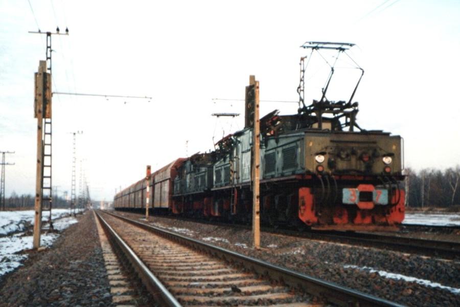 EL 2 in Doppeltraktion, die zweite Lok wurde von der esten Lok mitgesteuert
