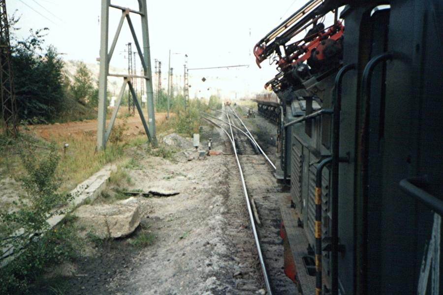EL 1135 beim rangieren von Abraumwagen