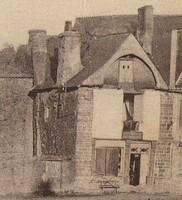 Maison à pan de bois - 15ème, 16ème détruite place de la mairie, emplacement de l'actuel tabac presse