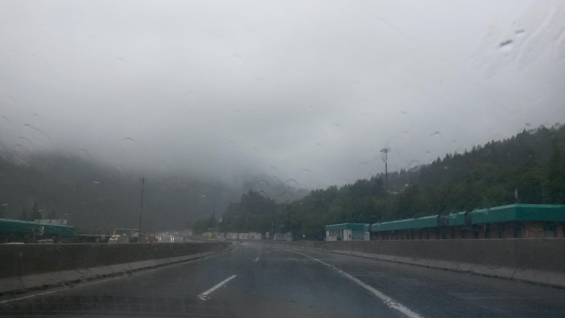 Bei Regen in den Alpen - nix zu sehen!