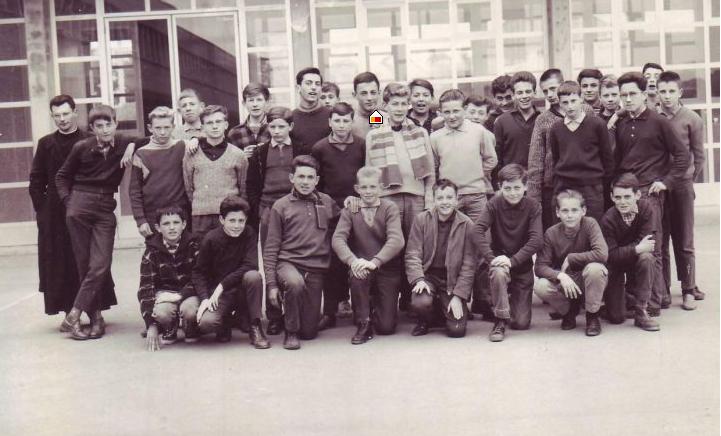 4 éme M1 1962-1963, avec Léon COTTEN sans doute prise par l'abbé BOYER INSTITUT