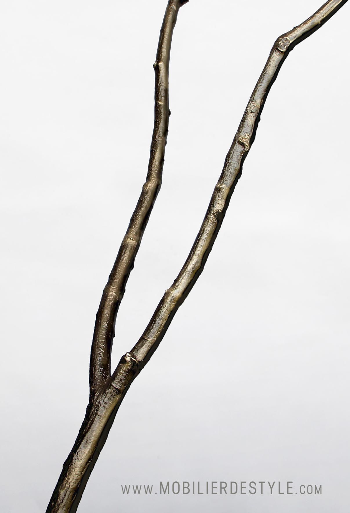 Finition : Cast patinated bronze