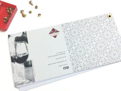 Contraportada. Carta de vinos. La Sala