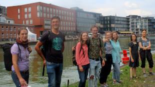 Die Teilnehmenden des diesjährigen Münsterländer PlantRace im Hafen von Münster