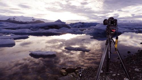 """Kaum sichtbare Veränderungen der Eisschollen werden mit """"Timelaps"""" (Zeitraffer)  Aufnahmen festgehalten."""