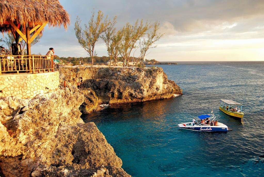 RICKS CAFE -  NEGRILL  - JAMAICA -