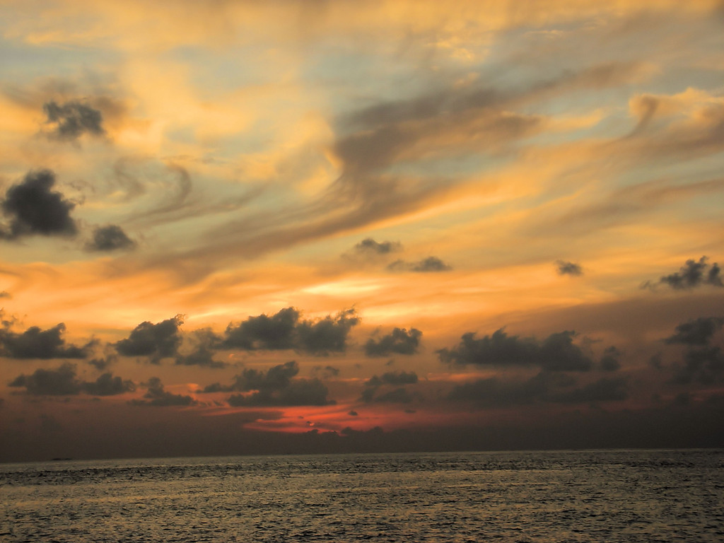 TRAMONTO ALL' ATOLLO DI BATHALA - MALDIVE -