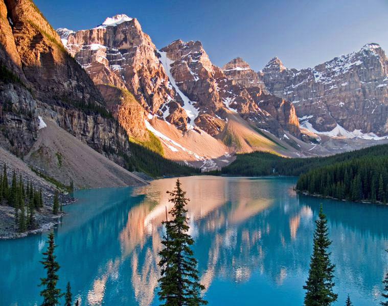 MORAINE LAKE - CANADA -