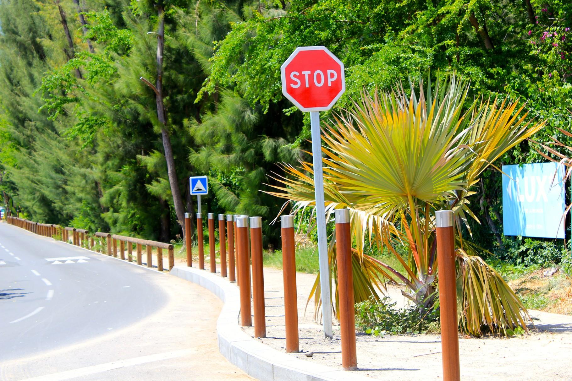 Chemin menant à l'hôtel Lux*****