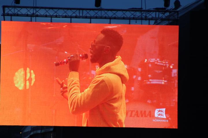 Dadju  en concert