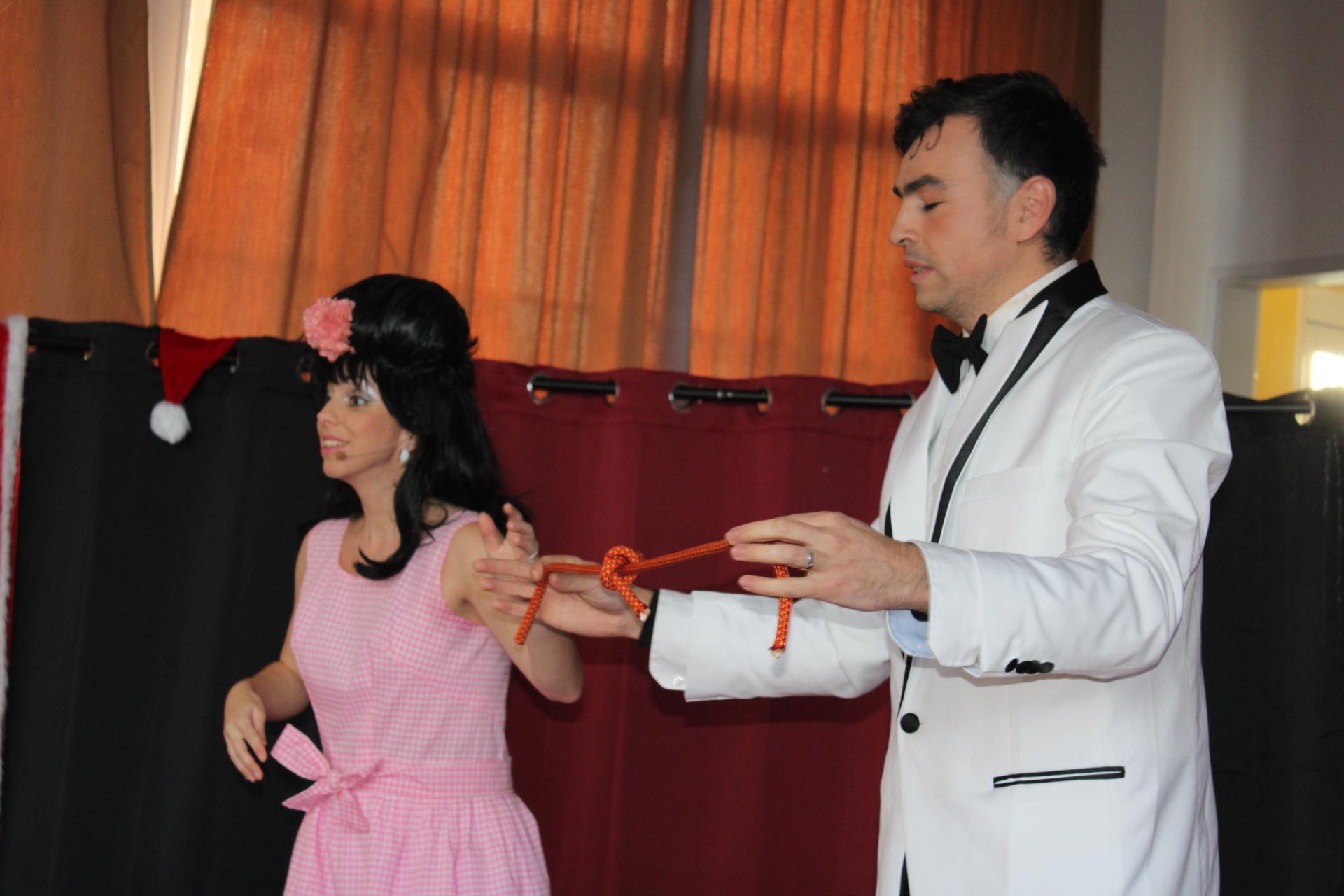 Début du spectacle avec Shirley et Dino