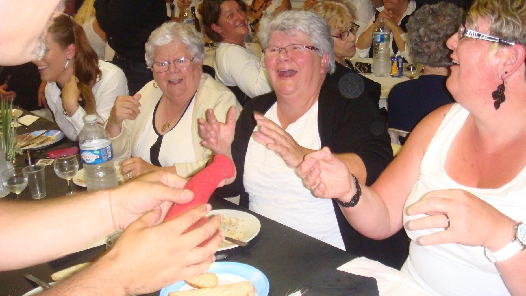 Ah!!! les mémés - ca rigole bien..