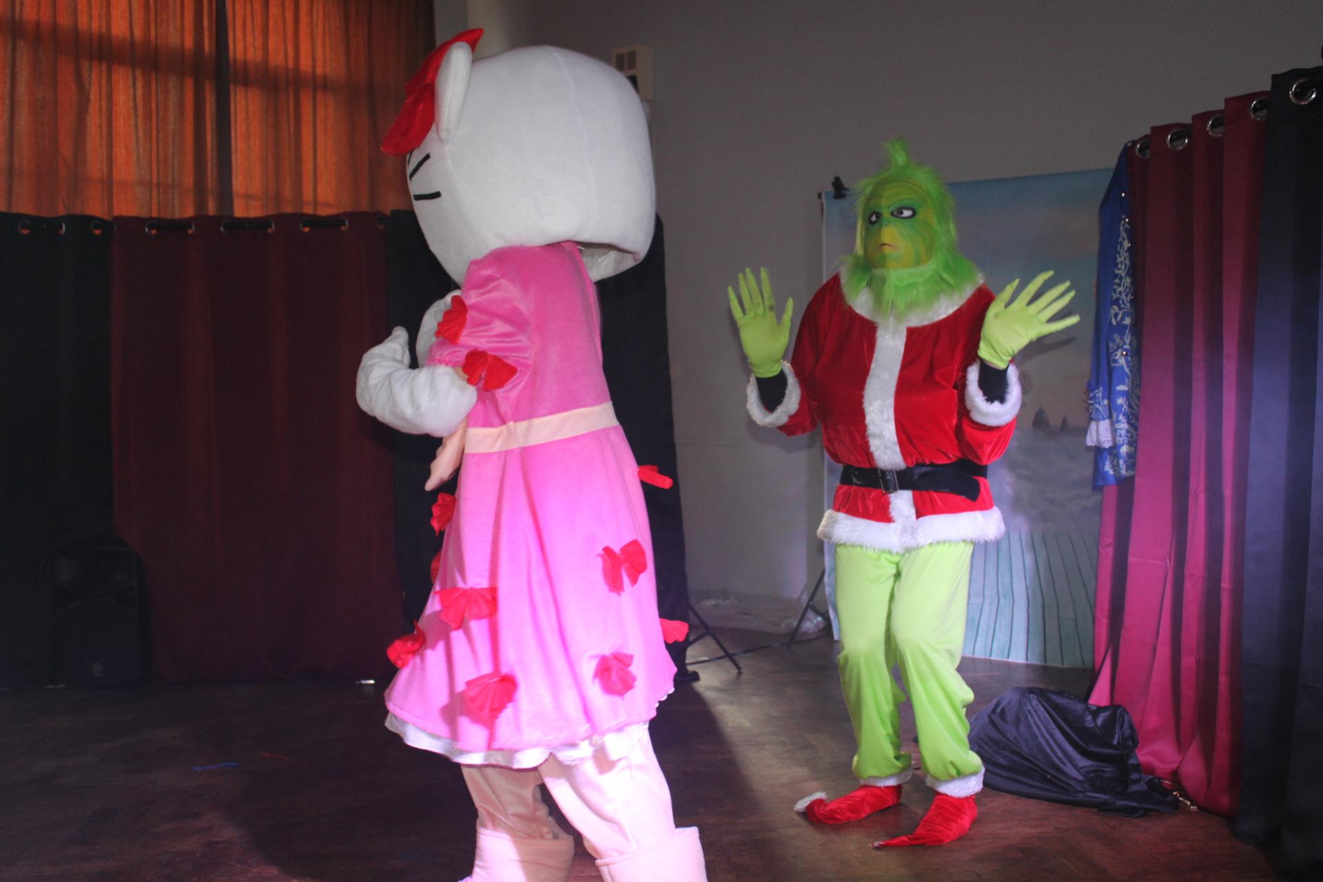 Hello Kitty et le Grinch