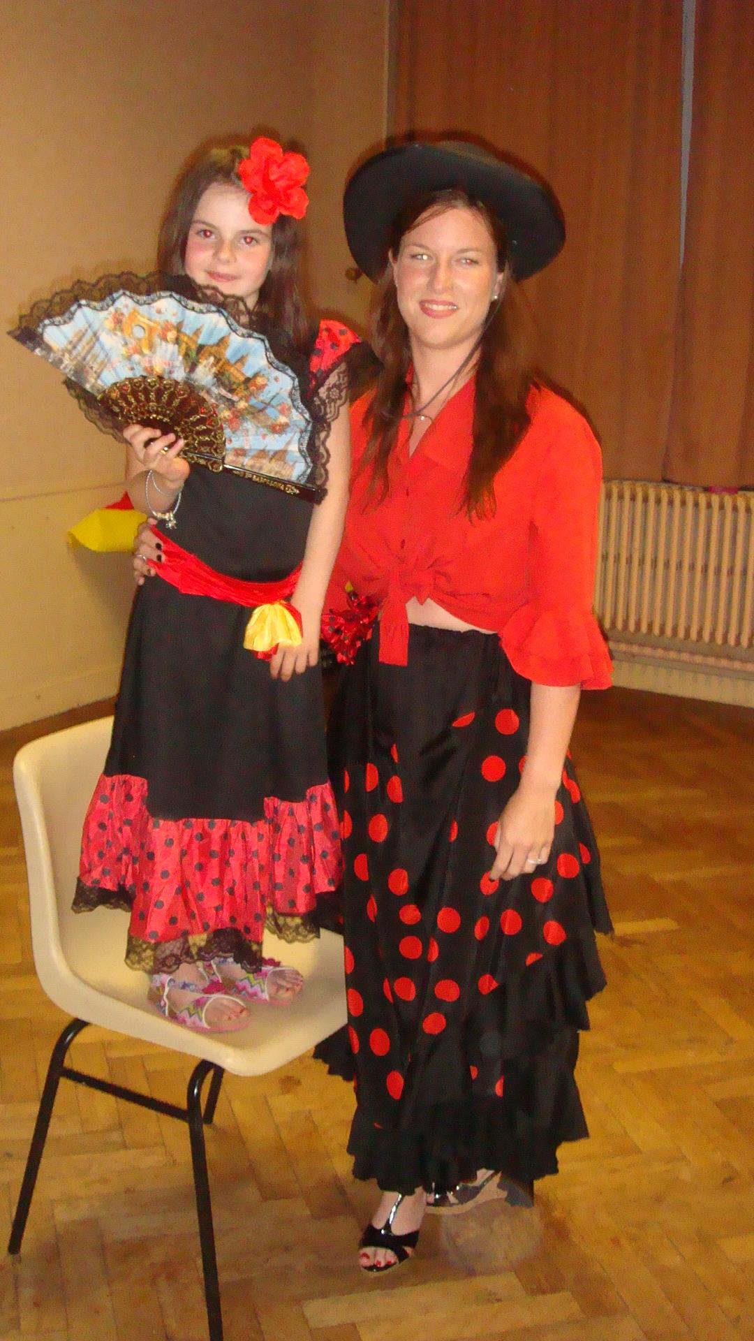 Les 2 Gagnantes du concours de costume