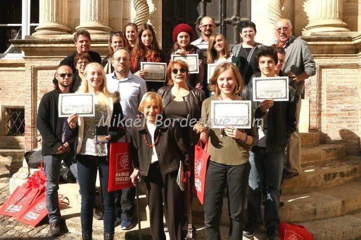 Nominés et lauréats du prix de la Nouvelle 2015 sur le perron de l'hôtel d'Assézat avec les membres du jury