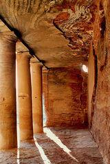 Intérieur du tombeau à l'urne