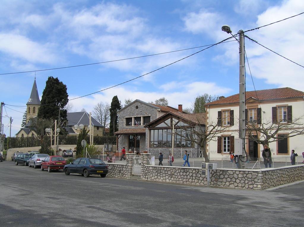 Eglise, Mairie, Ecole
