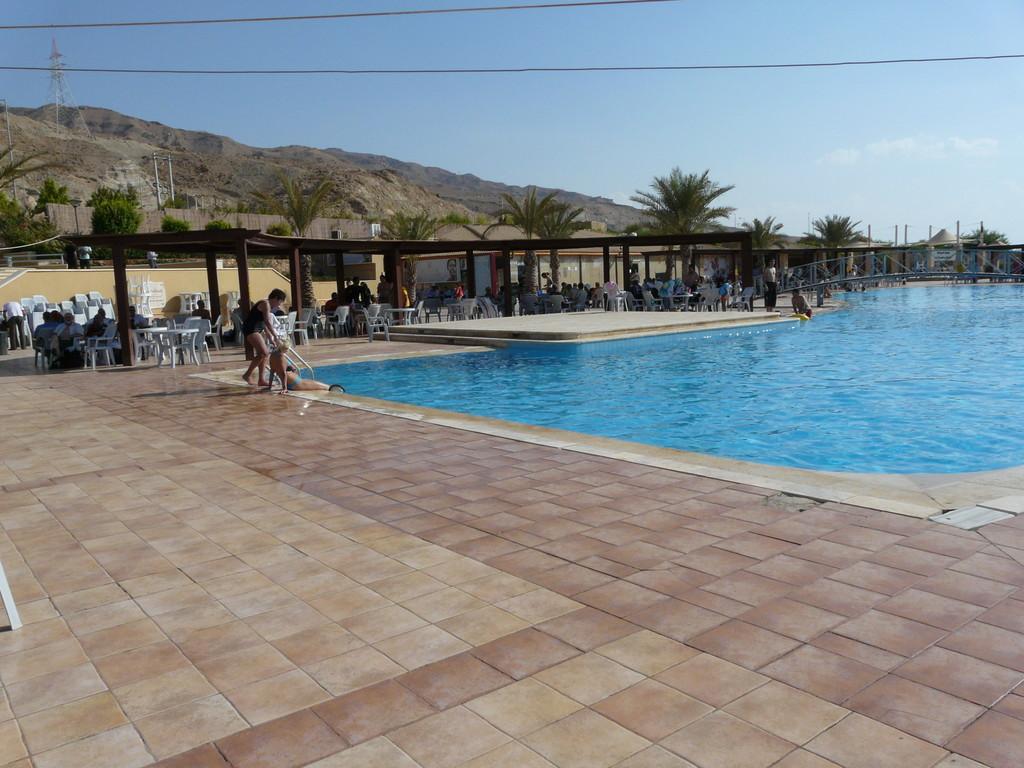 Grande piscine supérieure