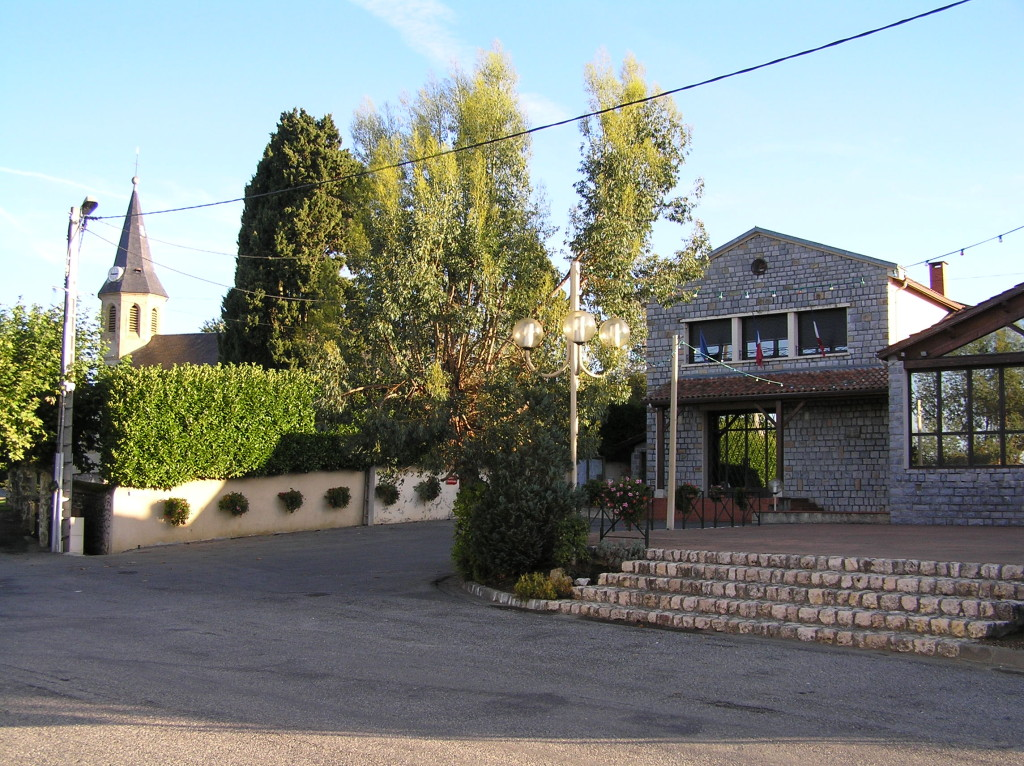 Mairie et salle des fêtes
