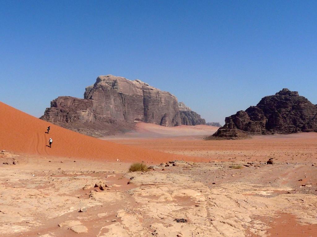 Dunes à l'autre... et montagnes