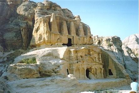 Tombe des Obélisque et tombe du Triclinium