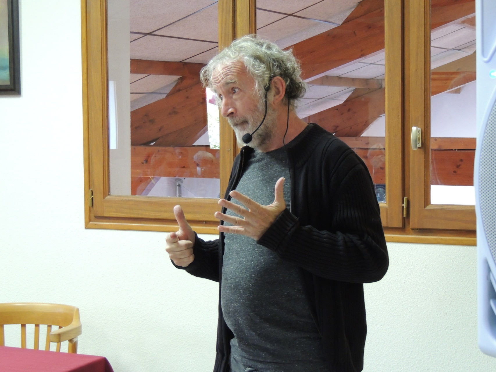 Vincent Roca féru de math montre à Ciadoux qu'il sait compter de Six à douze !